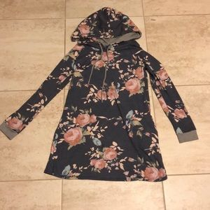 12pm by Mon Ami navy floral tunic sweatshirt Small